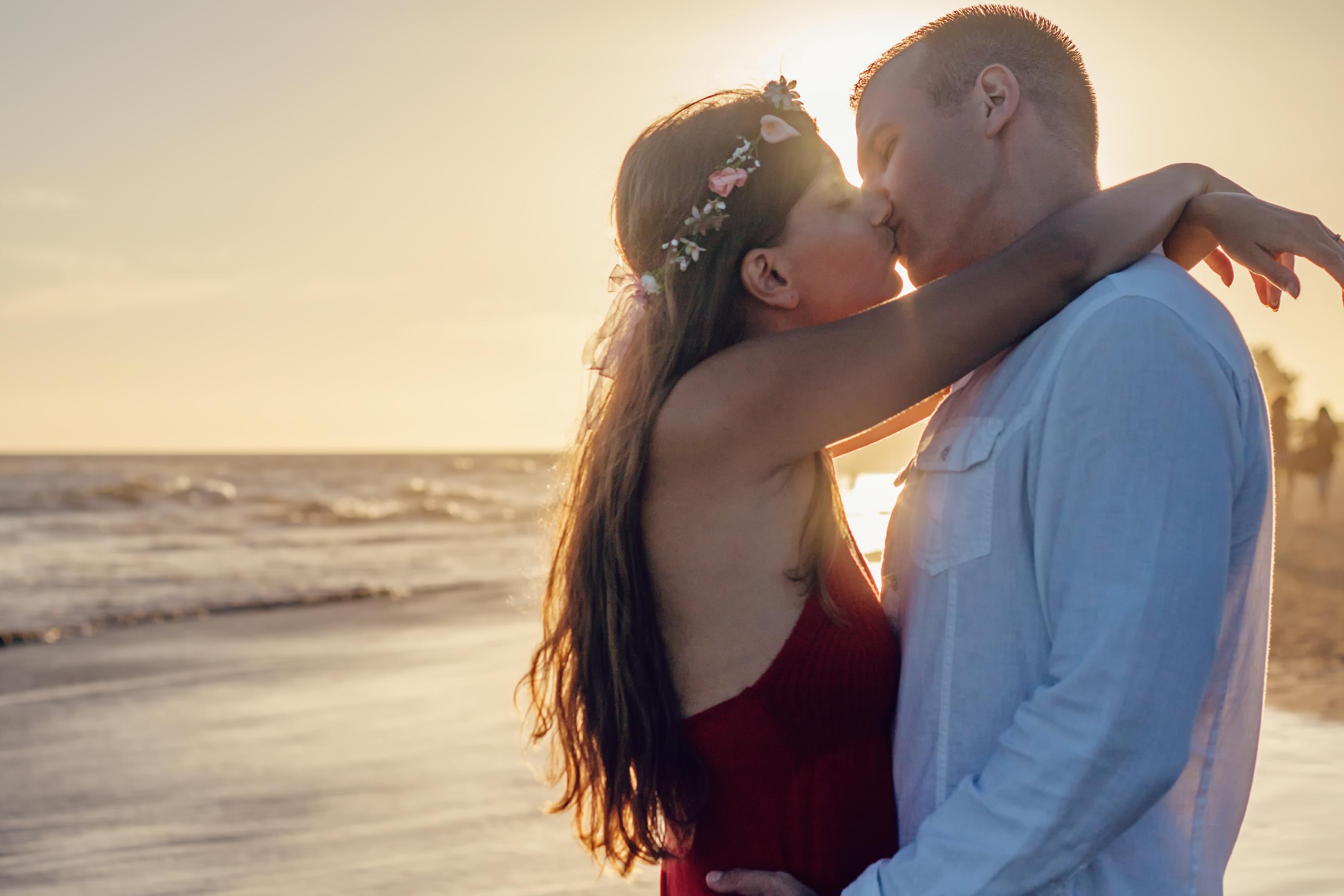 بالصور صور حب رومنسي , شاهد بالصور المشاعر الجياشة فى الحب