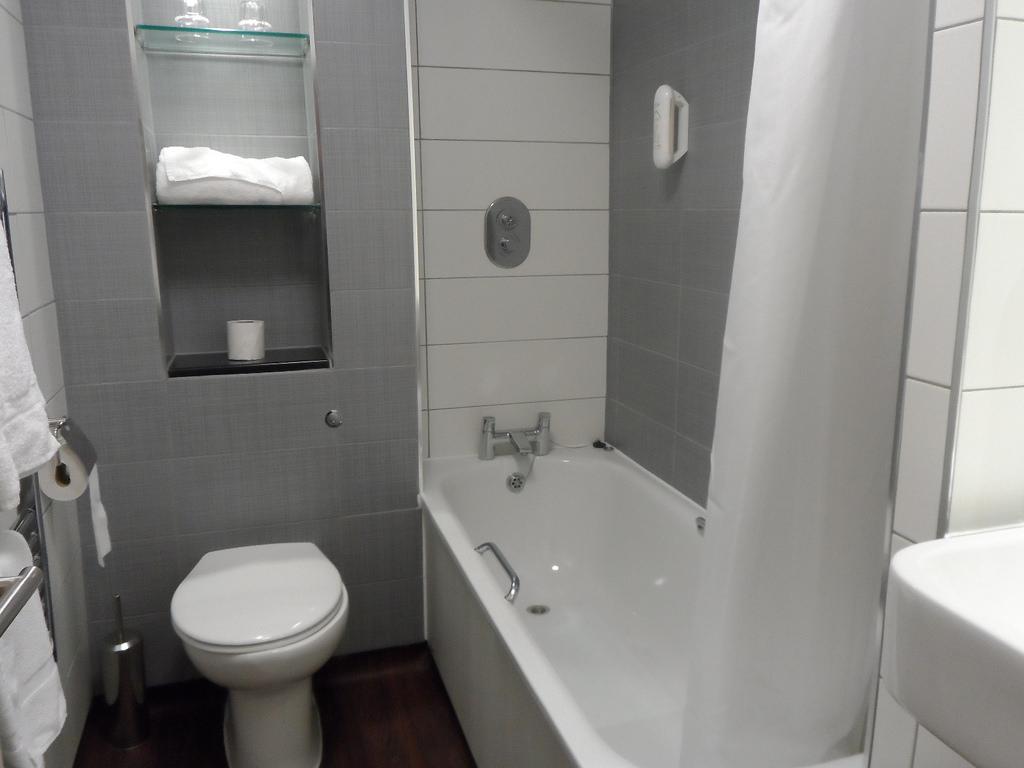 بالصور ديكور حمامات صغيرة , تعرف على احدث ديكور للحمامات الصغيرة 2060 7