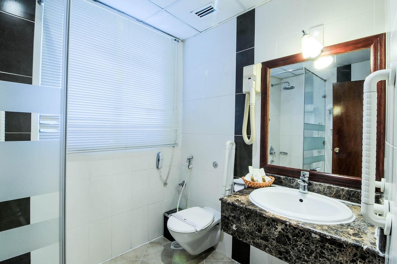 بالصور حمامات فنادق , شاهد بالصور افخم حمامات الفنادق 400 7