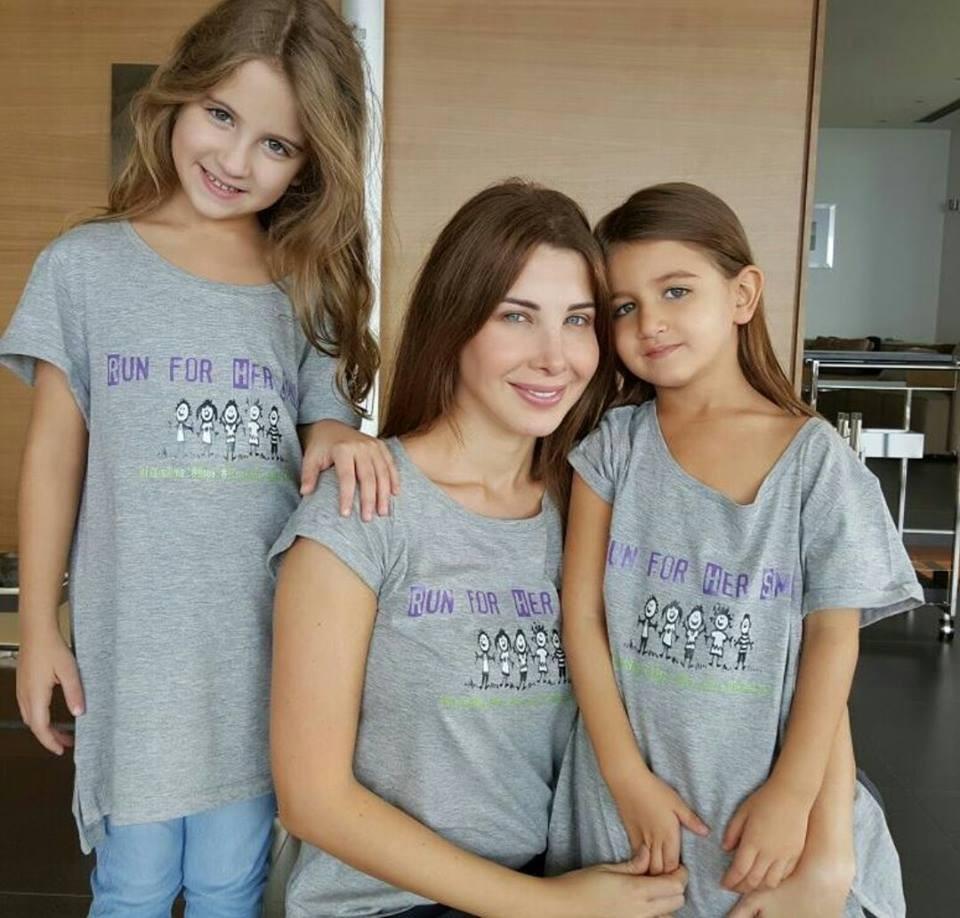 بالصور صور بنت وامها , شاهد اجمل الصور التى تجمع بين الام وصغيرتها 472 11