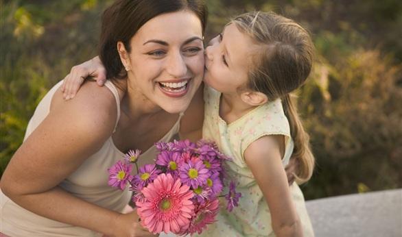 صور اناشيد عن الام , اجمل ما تغنى به الشعراء من اناشيد عن الام