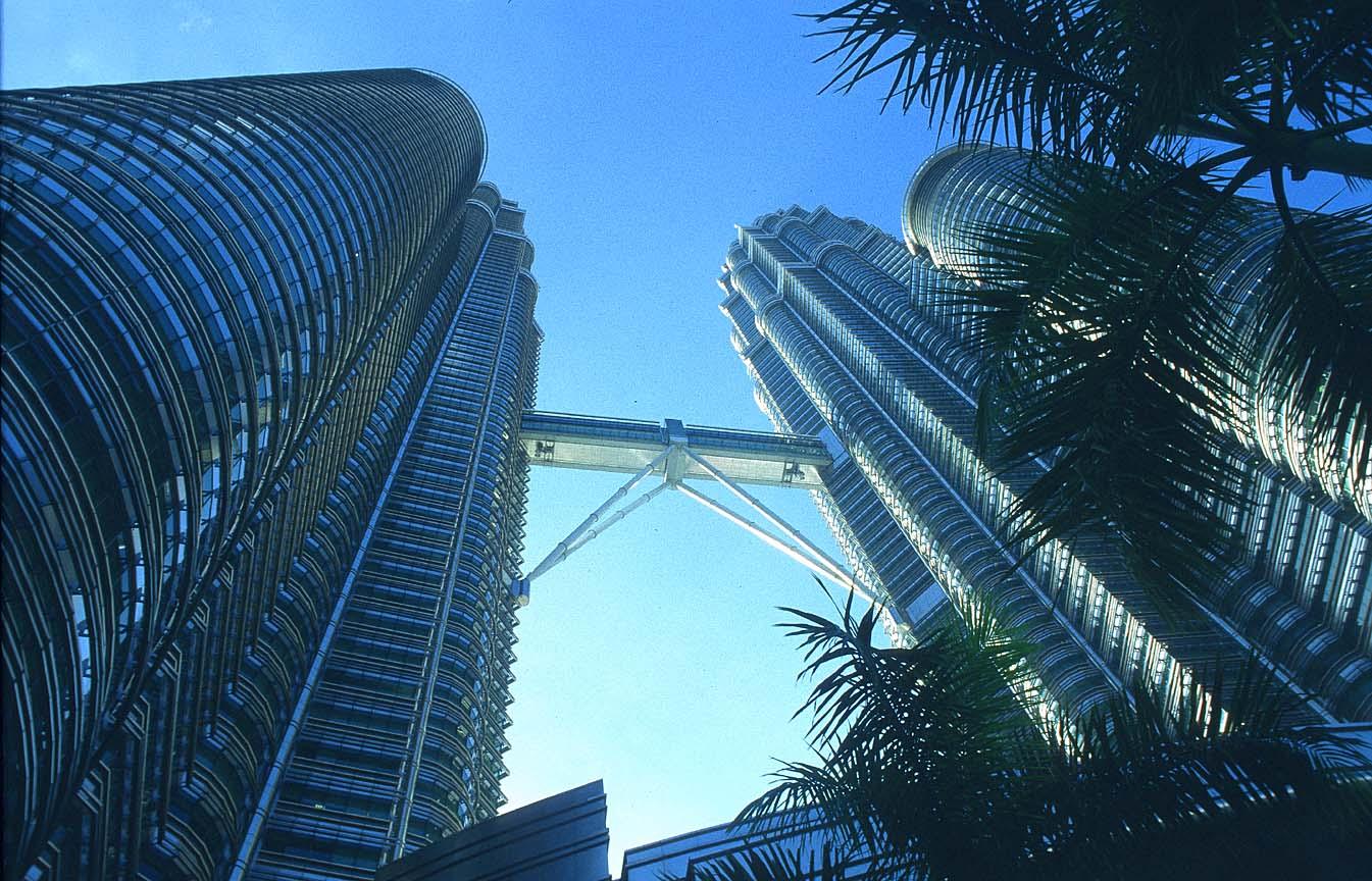 بالصور اكبر برج في العالم , صور رائعه لناطحات سحاب اكبر الابراج في العالم unnamed file 91