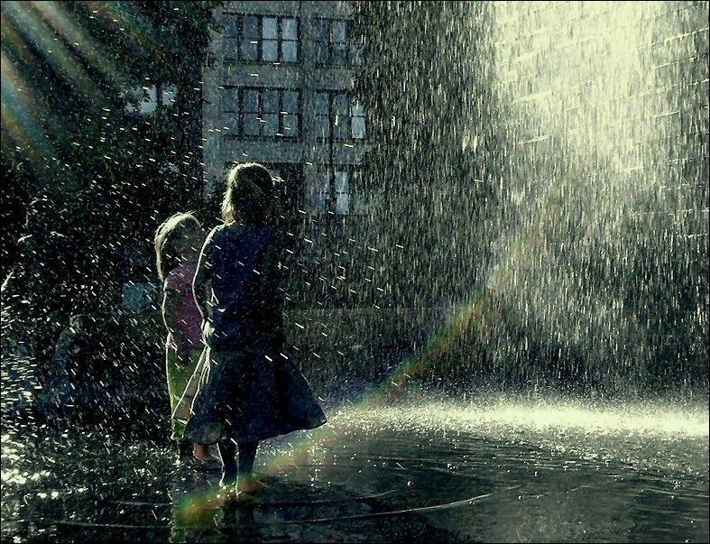 بالصور حب صور , صور حب تحت المطر 1690 8