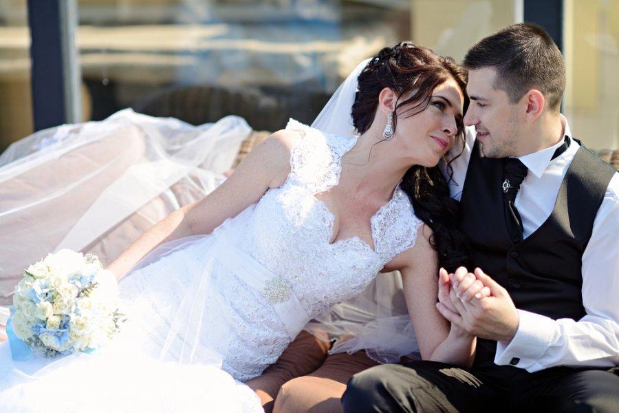 بالصور صور عروس وعريس , من اجل الذكريات يلتقط العرسان صور كشخة 1896 12