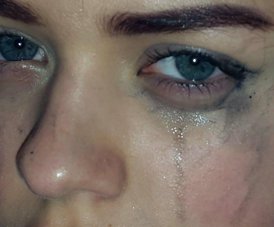 بالصور صور عيون تبكي , البكاء احدى لغات العيون 2052 11