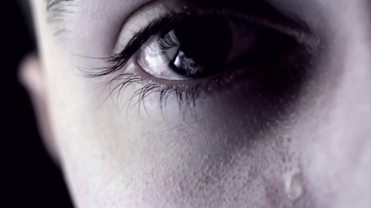 بالصور صور عيون تبكي , البكاء احدى لغات العيون 2052 12