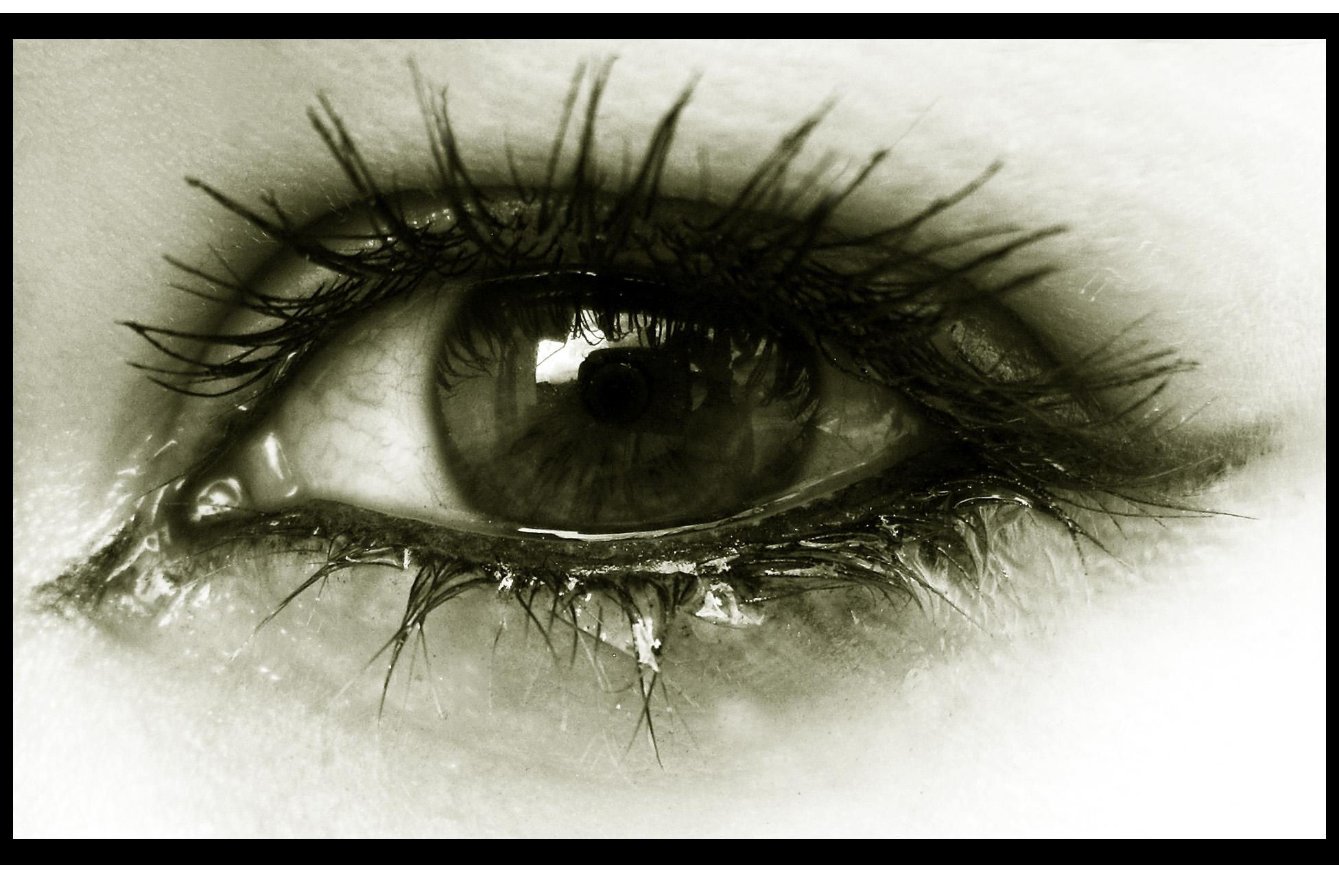 صورة صور عيون تبكي , البكاء احدى لغات العيون 2052 3