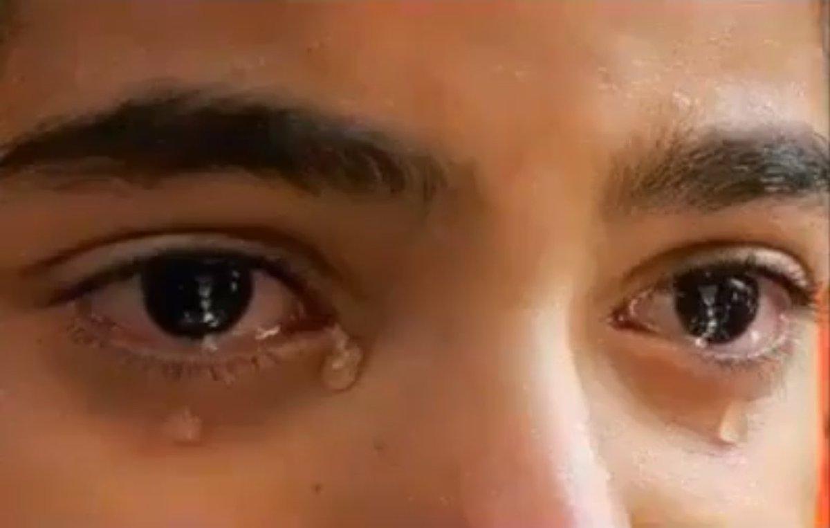 صورة صور عيون تبكي , البكاء احدى لغات العيون 2052 8