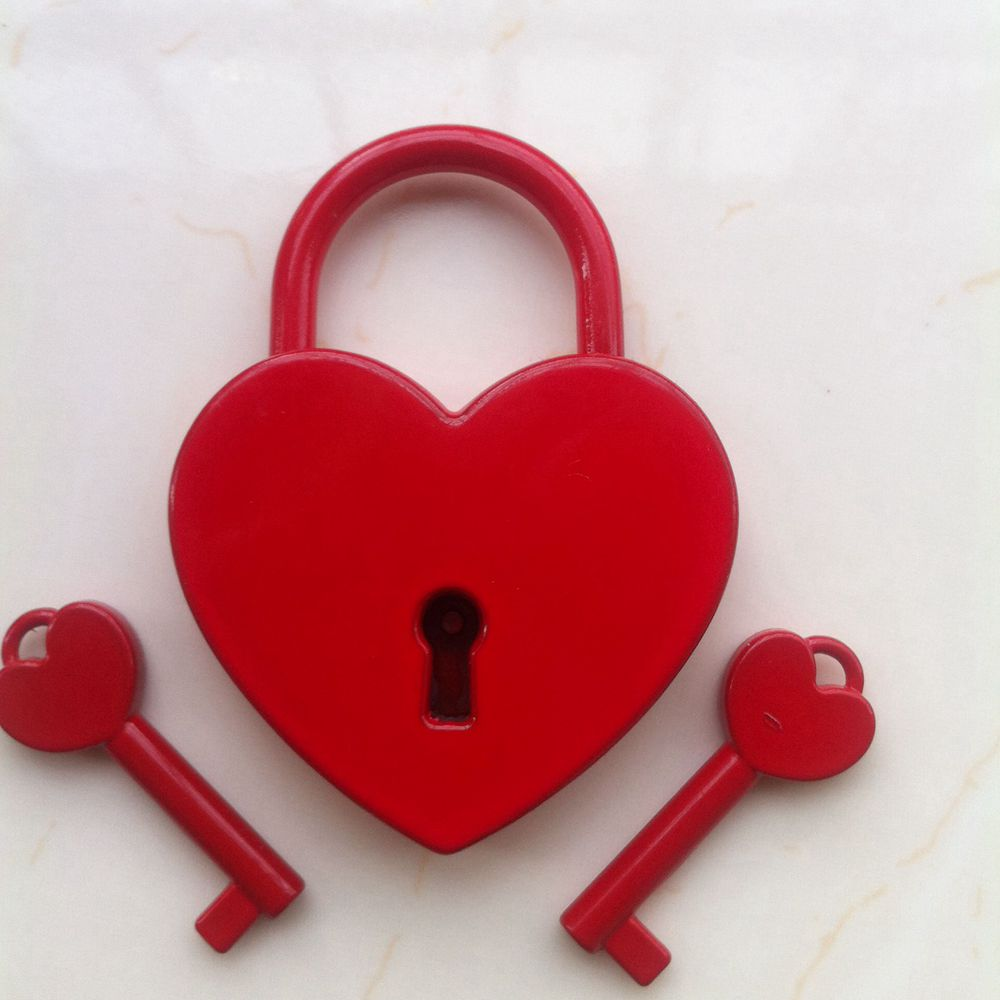 بالصور حرف e على شكل قلب , اجمل خلفيات الحروف الجديده 10490 1