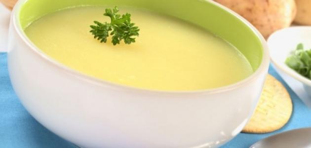 صورة طريقة عمل شوربة البطاطس , طبق من شوربة بطاطس مالوش مثيل