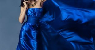 صور حلمت اني لابسه فستان ازرق طويل , نمتي حلمتي انك بدريس شيك لونه ازرق