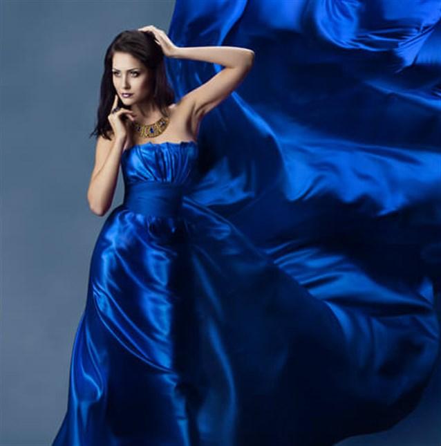 صورة حلمت اني لابسه فستان ازرق طويل , نمتي حلمتي انك بدريس شيك لونه ازرق