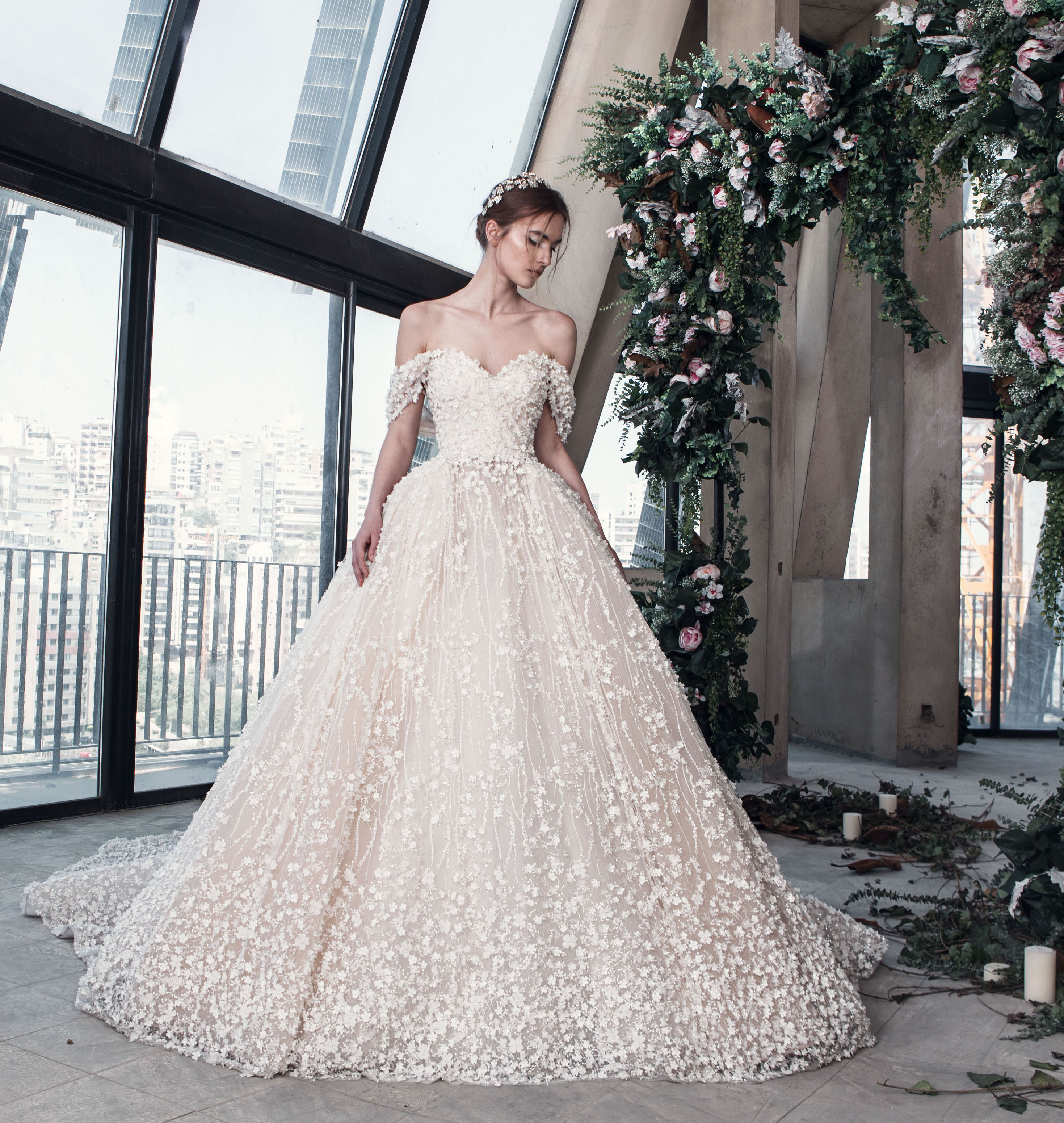 صورة احدث فساتين الزفاف , صور فساتين زفاف موضه 2019