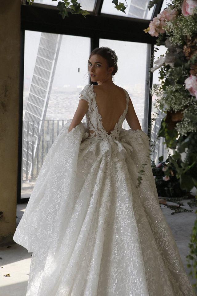 صورة احدث فساتين الزفاف , صور فساتين زفاف موضه 2019 1267 13