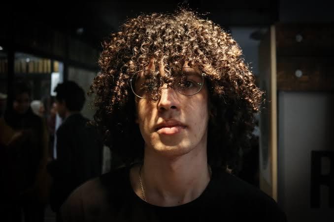 صورة طريقة لفلفة الشعر للرجال بالصور , كيفيه جعل شعر الرجال مجعد 3872 2