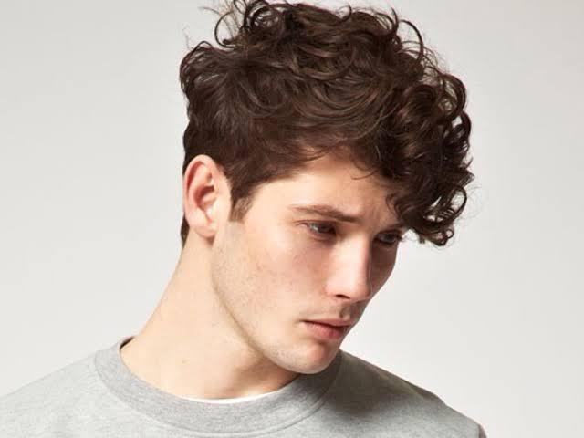صورة طريقة لفلفة الشعر للرجال بالصور , كيفيه جعل شعر الرجال مجعد 3872 5