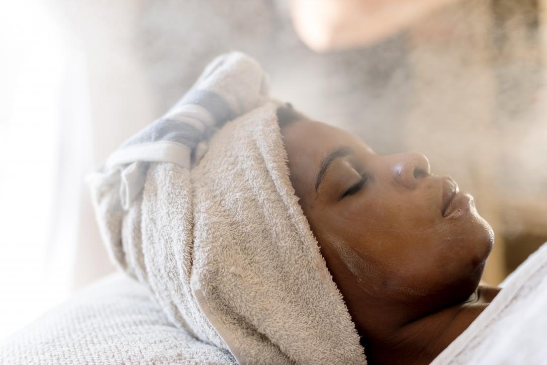 صورة تنظيف البشرة بالبخار , طريقه تنظيف البشره بالبخار في المنزل