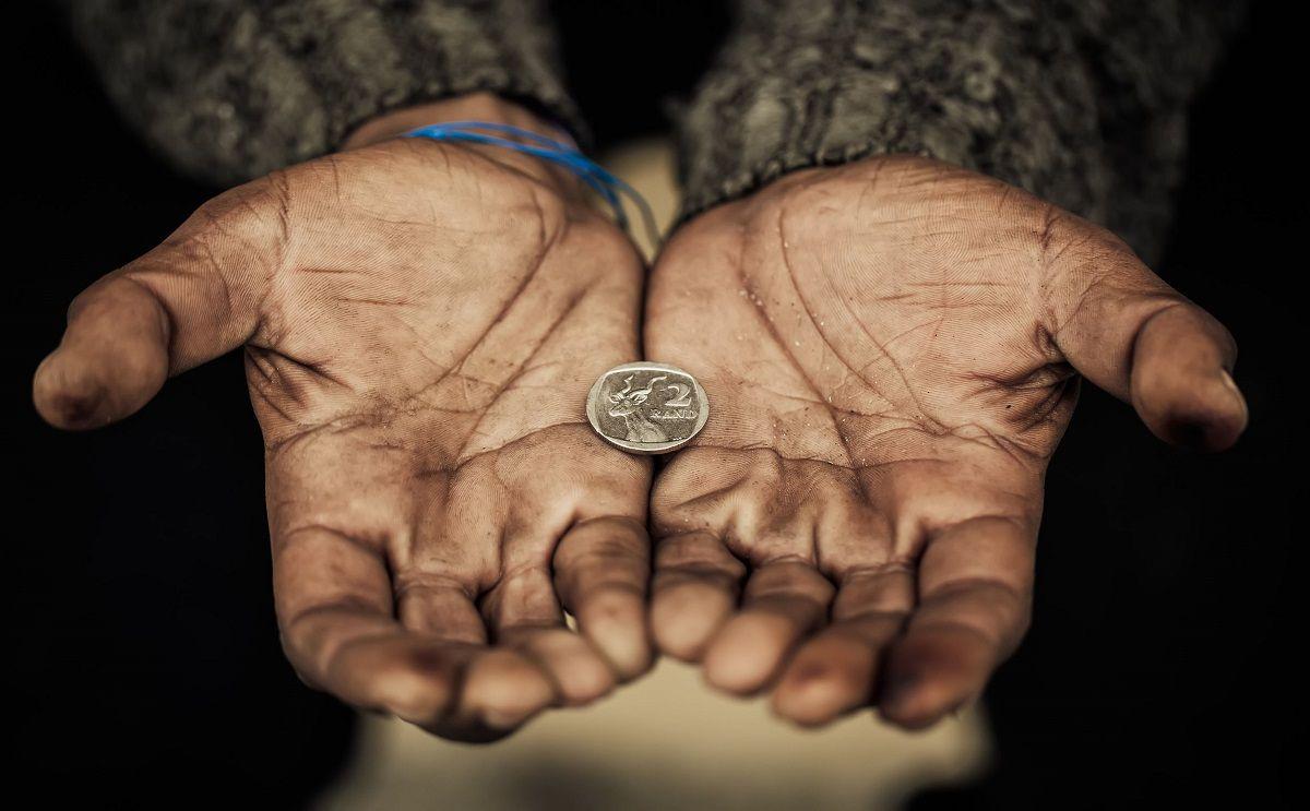صورة رجال اعمال اماراتيين يساعدون المحتاجين , تعرف علي اهم رجال اعمال يمتلكون اعمال خيريه
