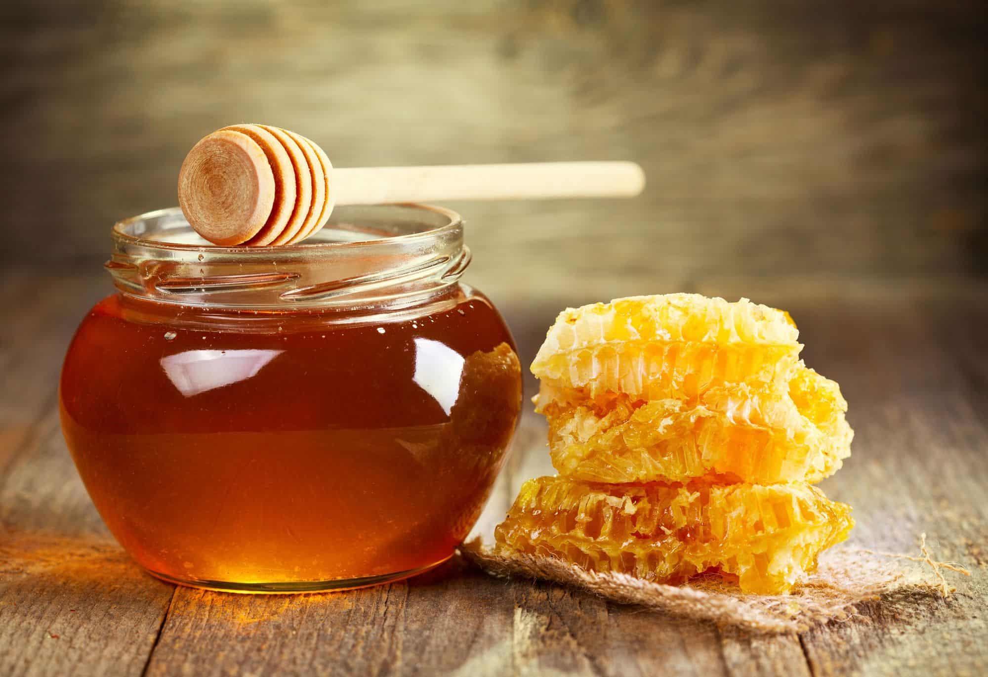 صورة فوائد العسل الابيض على الريق , فوائد صحية هائلة للعسل الابيض