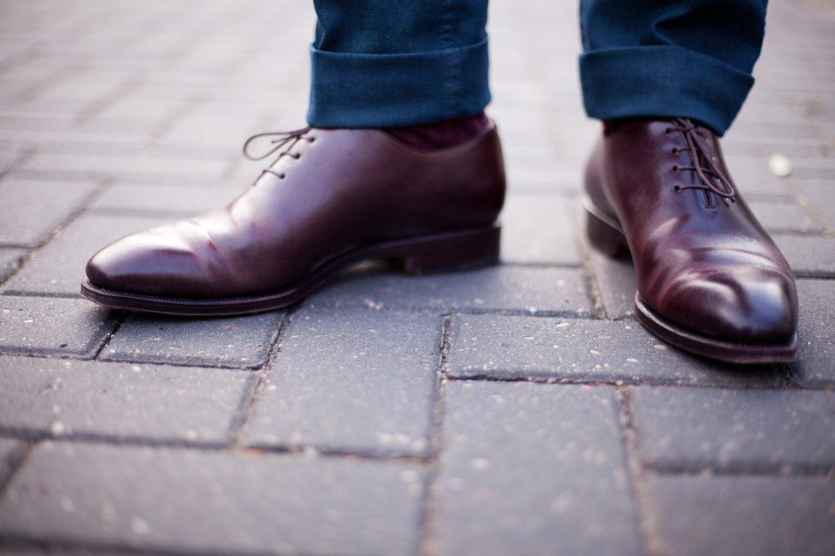 صورة تفسير لبس الحذاء في المنام , لباس الجزمو في الحلم وتفسيره