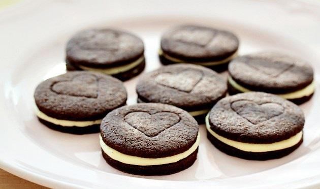 صورة طريقة عمل بسكويت اوريو في البيت , صنع اشهي الحلويات في البيت