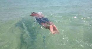 كيفية السباحة في البحر
